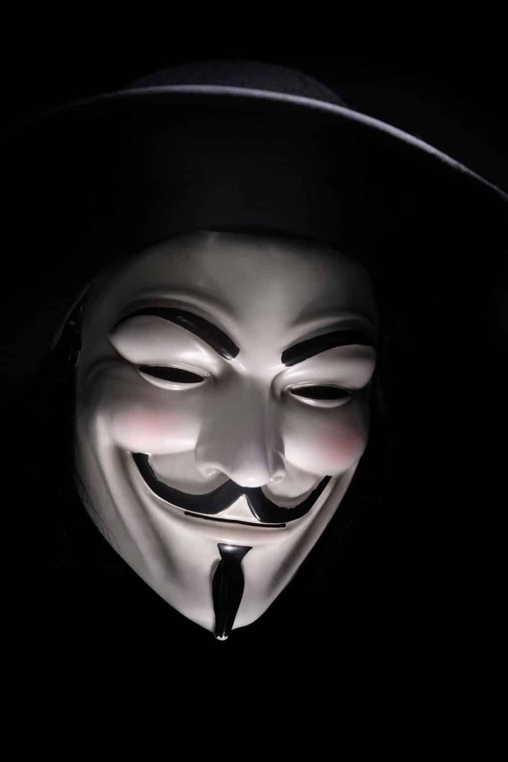 Ein Hacker mit Maske