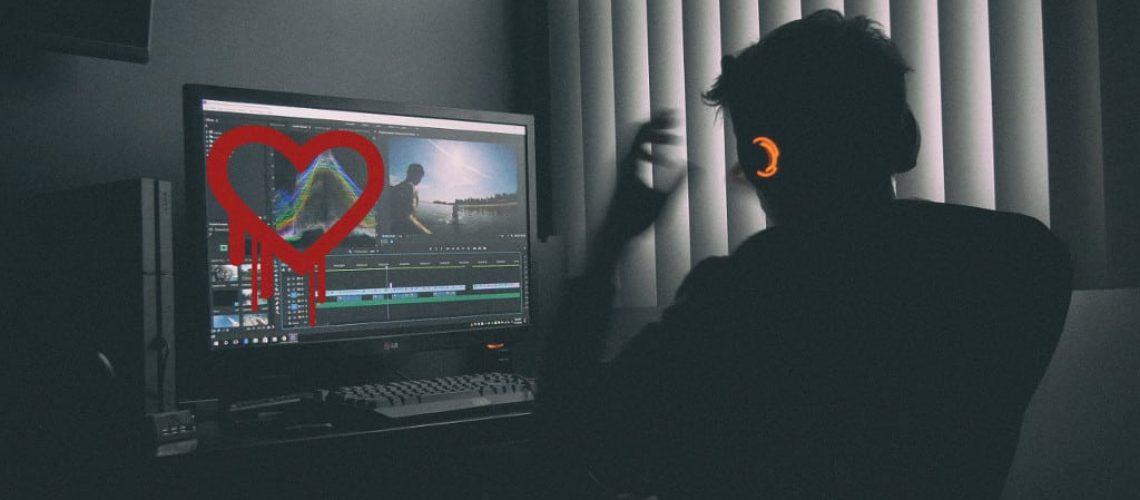 IT-Systemadministrator arbeitet am Heartbleed Blug auf einem infizierten PC
